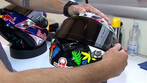 Tearoff Iridium 1 how helm motogp memiliki 2 lapis tear dan menggunakan masker khusus tmcblog