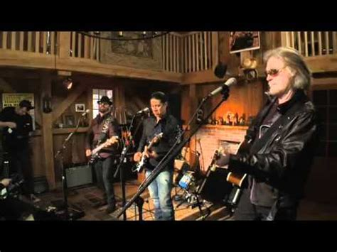 live from daryl s house dave stewart live from daryl s house the gypsy girl and me youtube