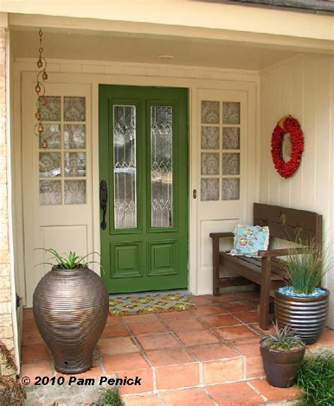 Make A Statement With A Bold Front Door Statement Front Doors