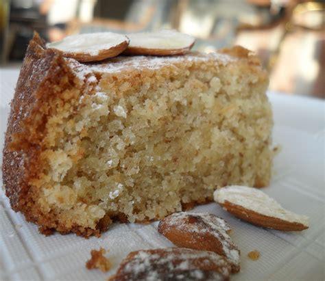 mandeln kuchen torta cielo almond cake fragole e farfalle