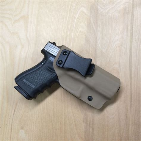 glock 19 iwb holster with light glock 19 fde kydex iwb holster www wolfhollowtactical com