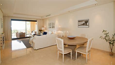 alquiler habitacion marbella apartamento de lujo de 2 habitaciones marbella benahavis