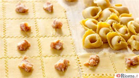 ravioli in casa ricette natale ricetta it
