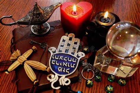 candela nera magia oggetti di rituale di magia nera fotografia stock