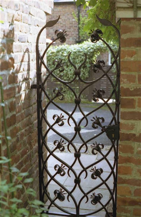 Gats Zu 0003 1000 ideas about wrought iron fences on iron