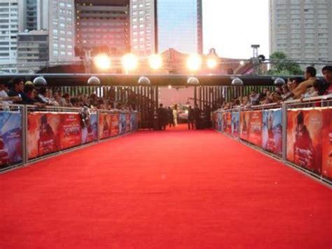 imagenes de alfombras rojas lista 20 famosos y su primera vez en una alfombra roja