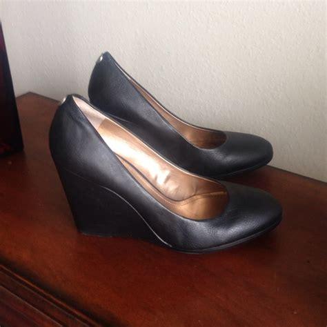 50 bcbg shoes bcbg black wedge heels from s