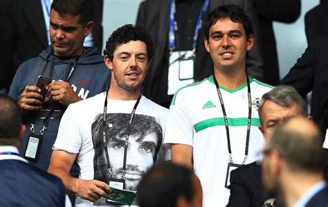 george best t shirt rory mcilroy dons george best t shirt to cheer on in