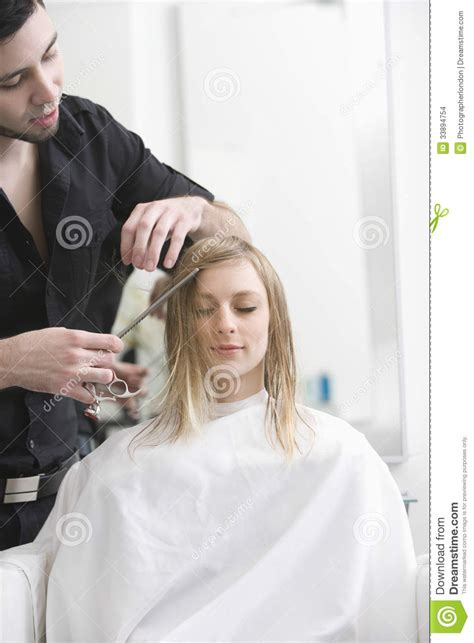getting a haircut female styled of getting their haircut 28 images things who don t