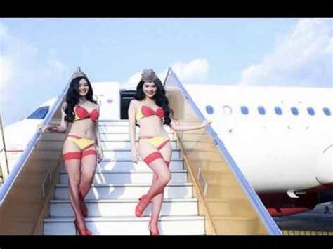 Baju Wanita Nisa Top 1 pramugari cantik buat demonstrasi cara pakai kond