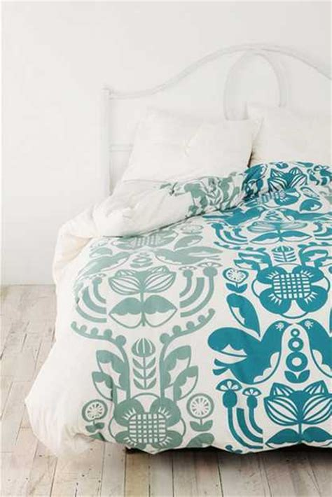 White And Turquoise Duvet Cover by Modern Bedroom Decorating With Bedding Fabrics For