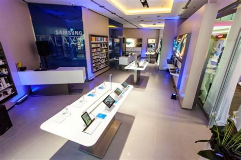 shop samsung mobile 187 mobile stores samsung experience store budapest hungary