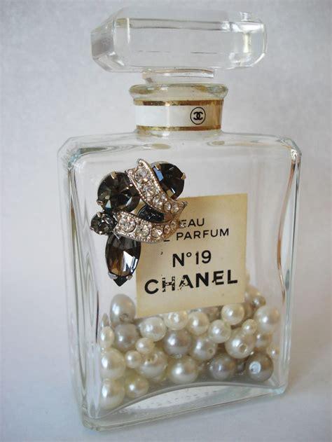 Parfum W Dressroom best 25 empty perfume bottles ideas on empty