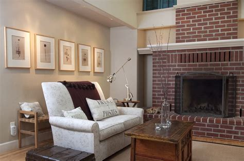 the best paint colour to go with toned brick fireplace sherwin williams agreeable gray