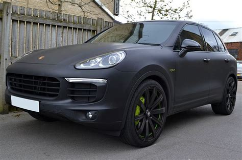 porsche cayenne matte red porsche cayenne e hybrid wrapped in matte black with