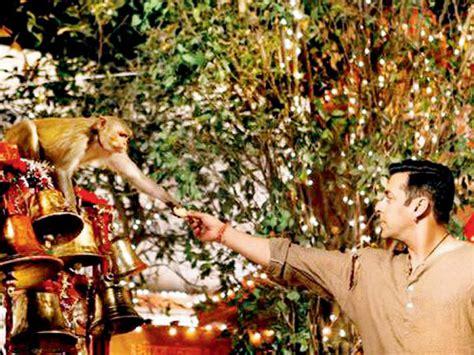 biography of film bajrangi bhaijaan bajrangi bhaijaan wow this is what salman khan gifted to