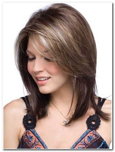 cuts to compliment round faces medium length hair cuts to compliment long face medium