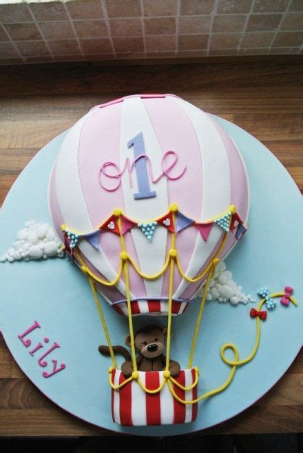 hot air balloon cakes   beautiful party centrepiece
