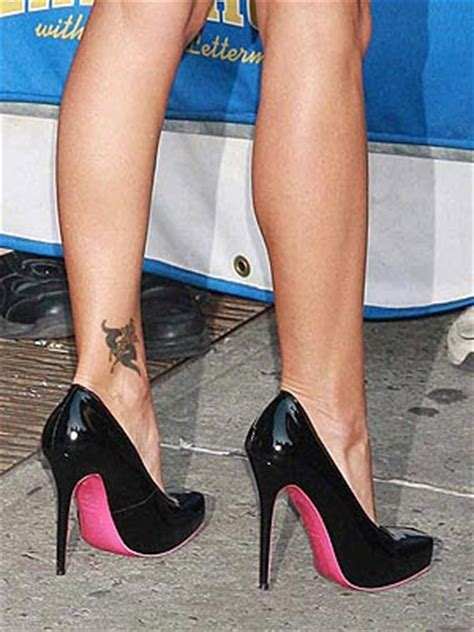 kelly ripa tattoo ripa on wrist