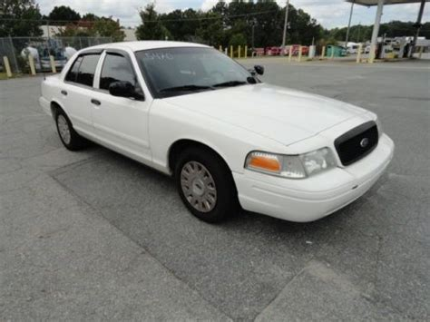 how to learn about cars 2005 ford crown victoria lane departure warning sell used 2005 white ford crown victoria 4 door sedan one owner in marietta georgia united states