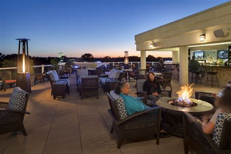 Roof Top Bar Charleston Sc by Aqua Terrace Roof Top Bar In Charleston South Carolina