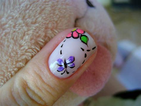 fotos de uñas decoradas tiernas unha decorada com borboleta flores e fotos moda