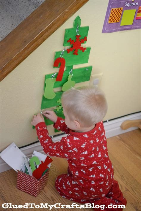 kid friendly christmas crafts kid friendly wood tree craft glued to my crafts