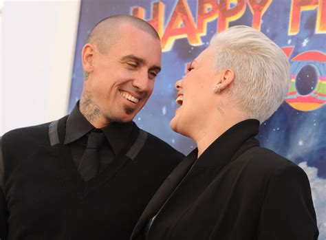 carey hart hair more pics of carey hart buzzcut 5 of 22 short