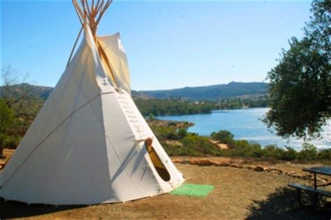 spectacular weekend getaways of a collection of lakeside front hill country and city hotels resorts and rentals for the modern day explorer books weekend getaways tipis at lake now available for