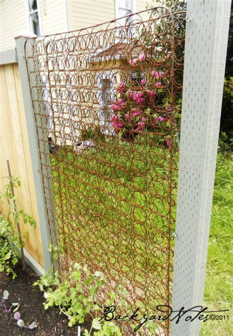 Diy Garden Trellis Ideas Use Bed Springs As A Garden Trellis Garden Junk