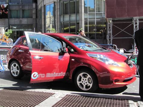 Tesla Rental Nyc Hertz To Rent Electric Cars Like Nissan Leaf In Selected Areas