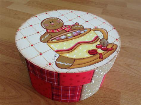 como decorar una caja redonda de galletas caja redonda galleta de jengibre navidad christmas ditta