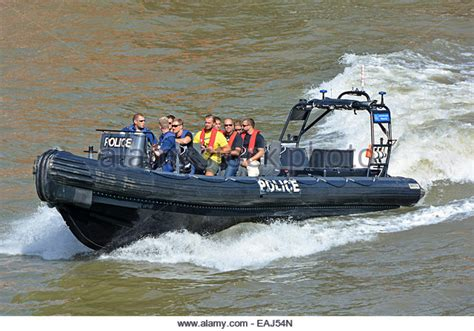 speed boat on the thames speedboat thames stock photos speedboat thames stock