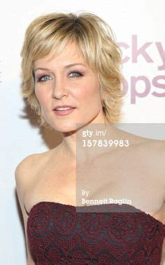 haircuts in blue bloods 1000 images about hairstyles on pinterest amy carlson
