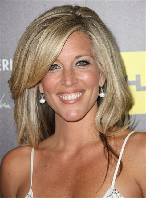 how to get laura wright hairstyle laura wright in 39th annual daytime entertainment emmy