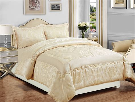 quilted bed sets quilted bed set andorra medallion cotton quilt set