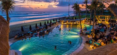 beach clubs  bali   whats  bali