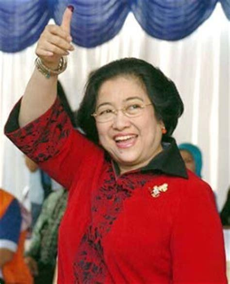 biography soekarno dalam bahasa indonesia megawati soekarno putri biography fifth president of