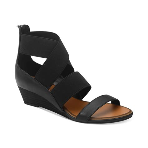 laundry kido low wedge sandals in black lyst