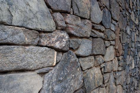 bruchsteinmauer verfugen bruchsteinmauer abdichten 187 wie wird s gemacht