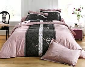 linge de lit motif becquet