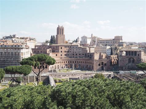 Rome City Guide By Tokobukuagung rome city guide exploring and understanding an ancient