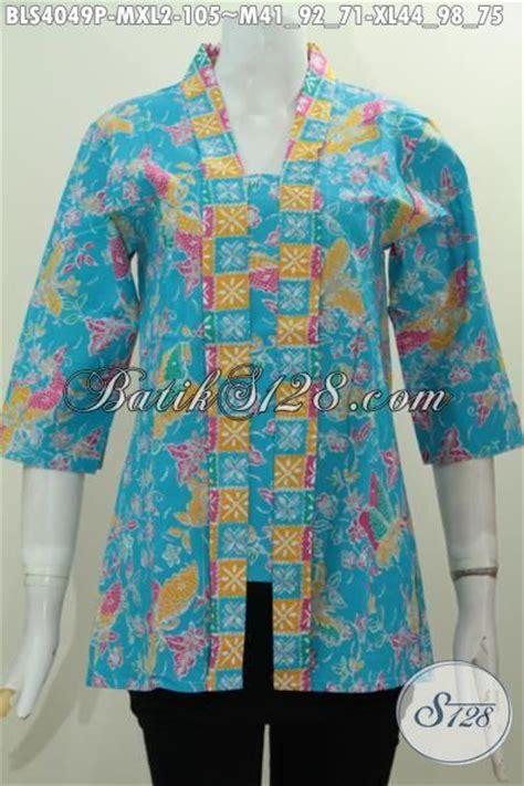 Blus Batik Batik Pesta Pasangan Biru batik blus biru motif bunga dan kupu model kerah kartini baju batik modern klasik proses