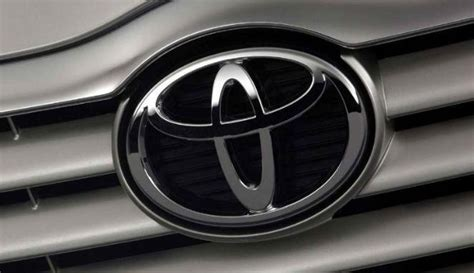 Logo Ori Toyota Calya mobil murah toyota calya siap meluncur ini kata datsun viva