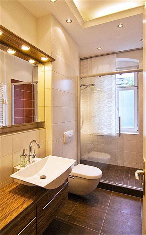 dusche mit fenster dusche vor dem fenster bad neuheiten