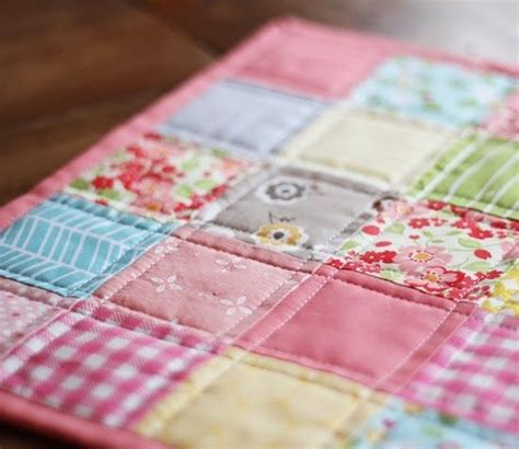 Easy Machine Quilting Techniques by 25 Best Ideas About Doll Quilt On Doll