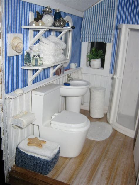 dollhouse bathroom top 25 ideas about dollhouses miniature bathroom on