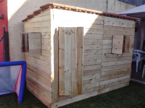 Fabriquer Une Cabane Avec Des Palettes 5285 by Tout En Palettes Cabane En Palette