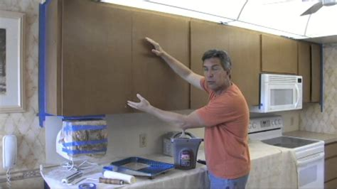 youtube how to paint kitchen cabinets how to paint your kitchen cabinets to look as good as new