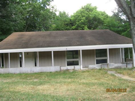 206 n lakeshore dr tunnel hill 30755 foreclosed